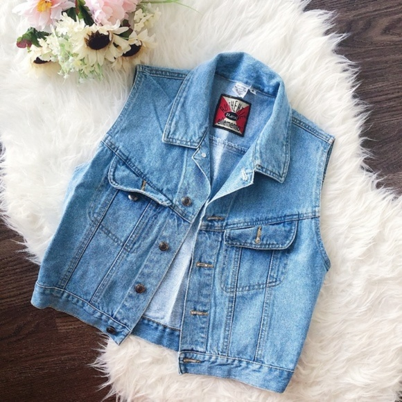 Vintage Jackets & Blazers - VINTAGE CROPPED LIGHT WASH DENIM VEST